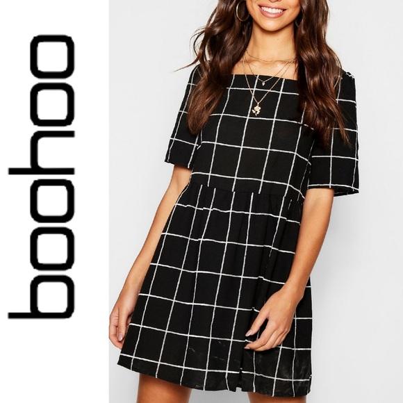 Boohoo Dresses & Skirts - Boohoo Textured Check Square Neck Smock Dress
